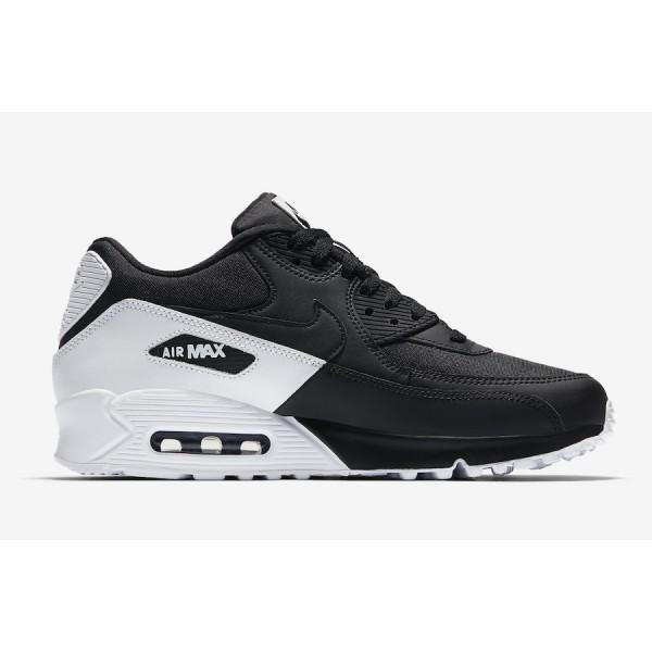 45b168c95923 Nike Air Max 90 Essentials férfi utcai cipő , Férfi cipő   utcai ...