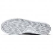 749867-100 Wmns Nike Court Royale női utcai cipő 84f37a683f